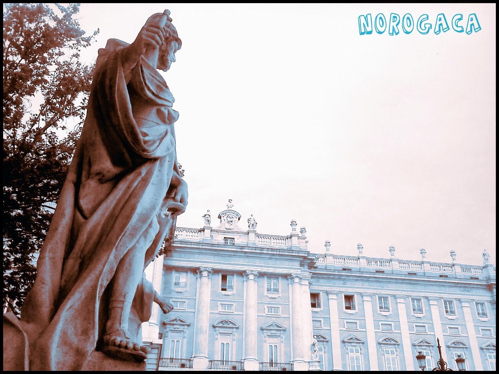Palacio Real de Madrid desde la Plaza de Oriente.