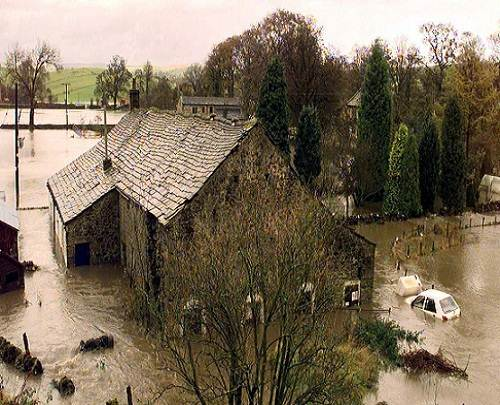 Yorkshire_floods_today_natural_calamities