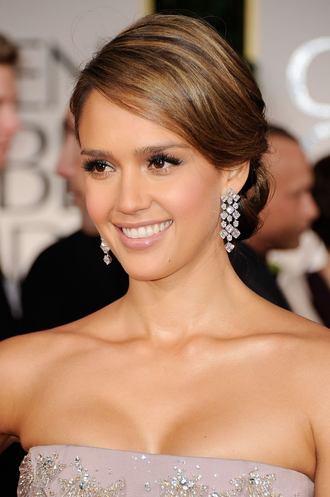 http://1.bp.blogspot.com/-yTMpILUwfuI/TxSMvd5CtqI/AAAAAAAAB0A/7xnlNfSqRC8/s1600/Jessica_Alba_009.jpg