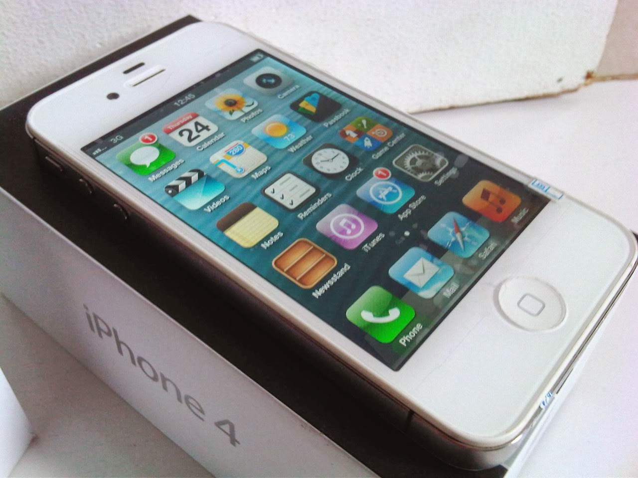 APPLE IPHONE 4 CDMA 8GB WHITE SECOND US MULUS