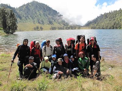 Foto Danau Ranu Kumbolo Semeru Tanjakan cinta