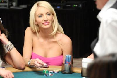 sexy poker women 640 17 [Gambar] Pemain Poker Wanita Yang Cantik Dan Seksi