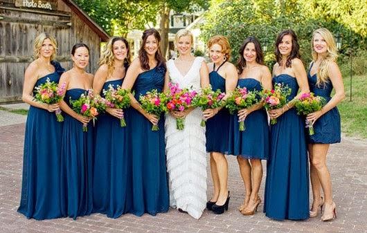 Blue Dress And Flower Wedding Theme Http Refreshrose Blogspot Com