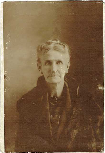 undated portrait of elderly woman from eastern Tennessee