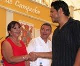 SilviaAviles Diputada PRI Calkiní Felicita a Egresados Profesionistas TEC de Calkiní. 8-junio-2011.