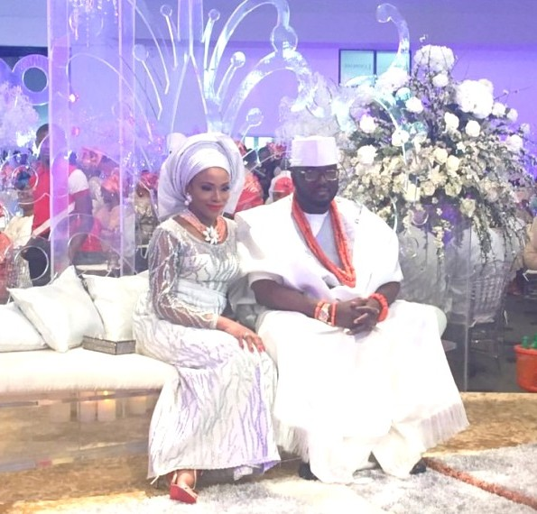 Juicy scoop On Dolapo Oni's wedding dress