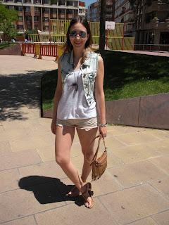 http://conndenoemi.blogspot.com.es/2015/07/denim-vest.html
