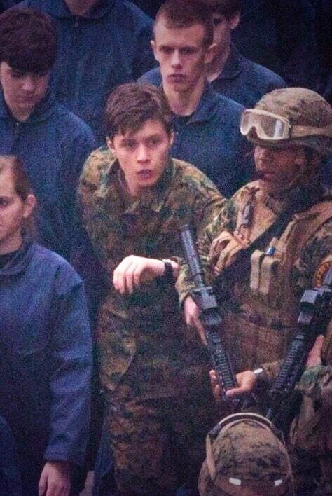 nick robinson 5th wave movie behind the scenes