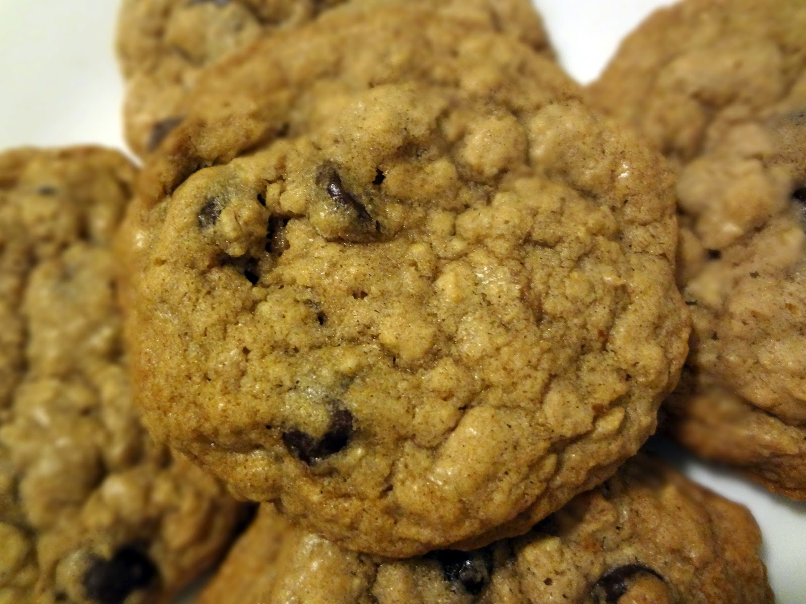The Cooking Actress: Chewy Oatmeal Chocolate Chip Cookies