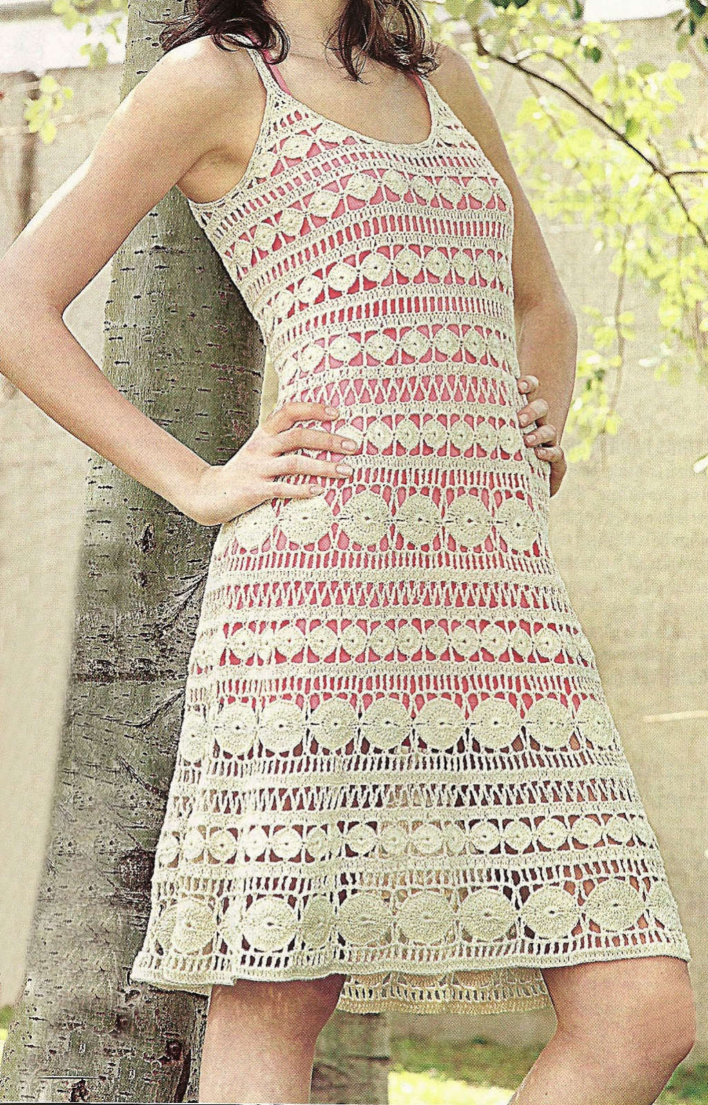 Vestido Tejido en Crochet Tiras en Movimiento Con Diagramas Y Patrones