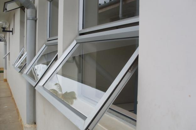 Puertas En Aluminio Para Baño En Cali: -PUERTAS-DE-DUCHA-EN-CRISTAL ...