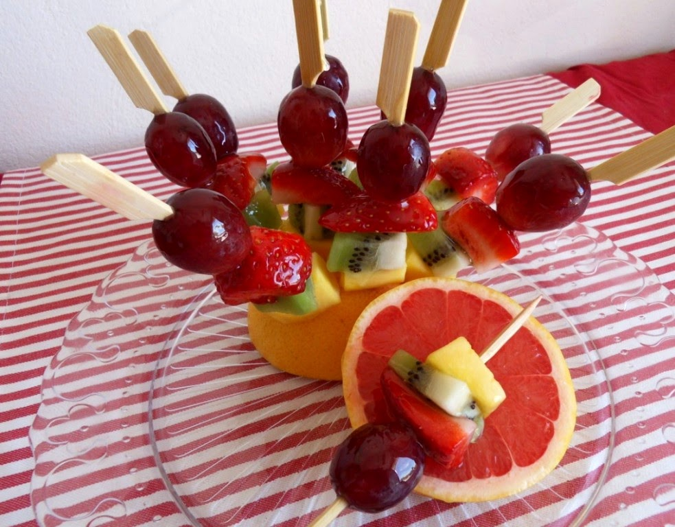 Frutas en mesa dulce para fiestas