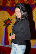 Neha deshpande new photos-thumbnail-4