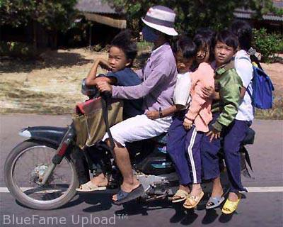 αστεία + + μοτοσικλετιστών lucu Naik + + κινητήρας + Ινδονησία