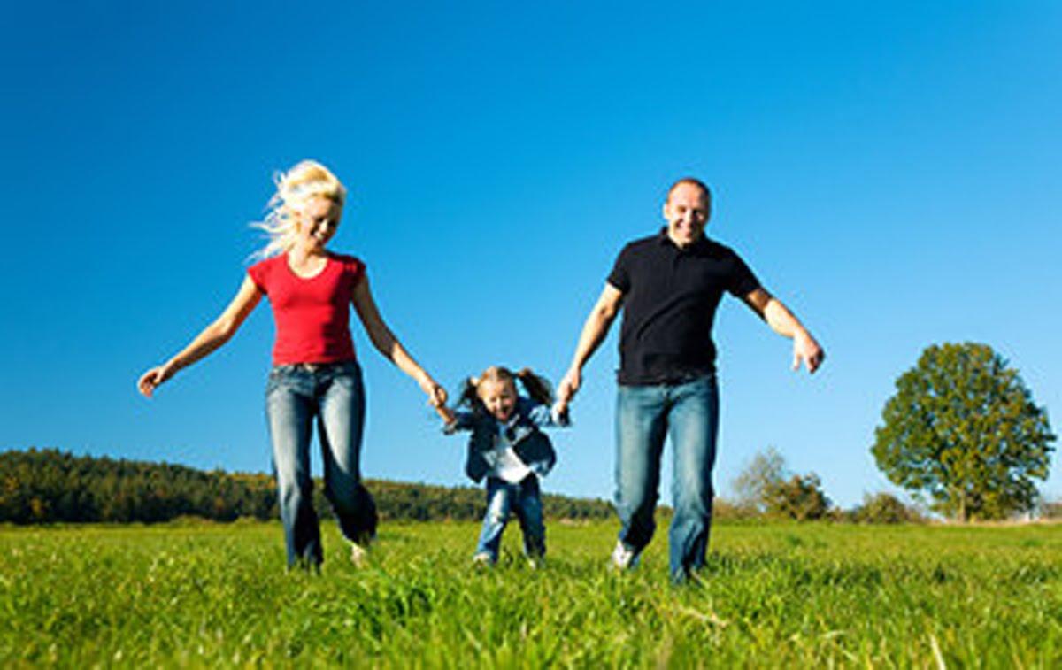 happy%2Bfamily.jpg