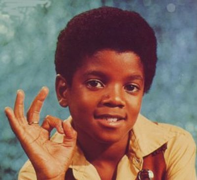http://1.bp.blogspot.com/-yWiufjMxlNA/T5dbiu-8fII/AAAAAAAAAR8/Icz0cV57nrg/s1600/MJ+2012+Michael+Jackson+6signal.jpg