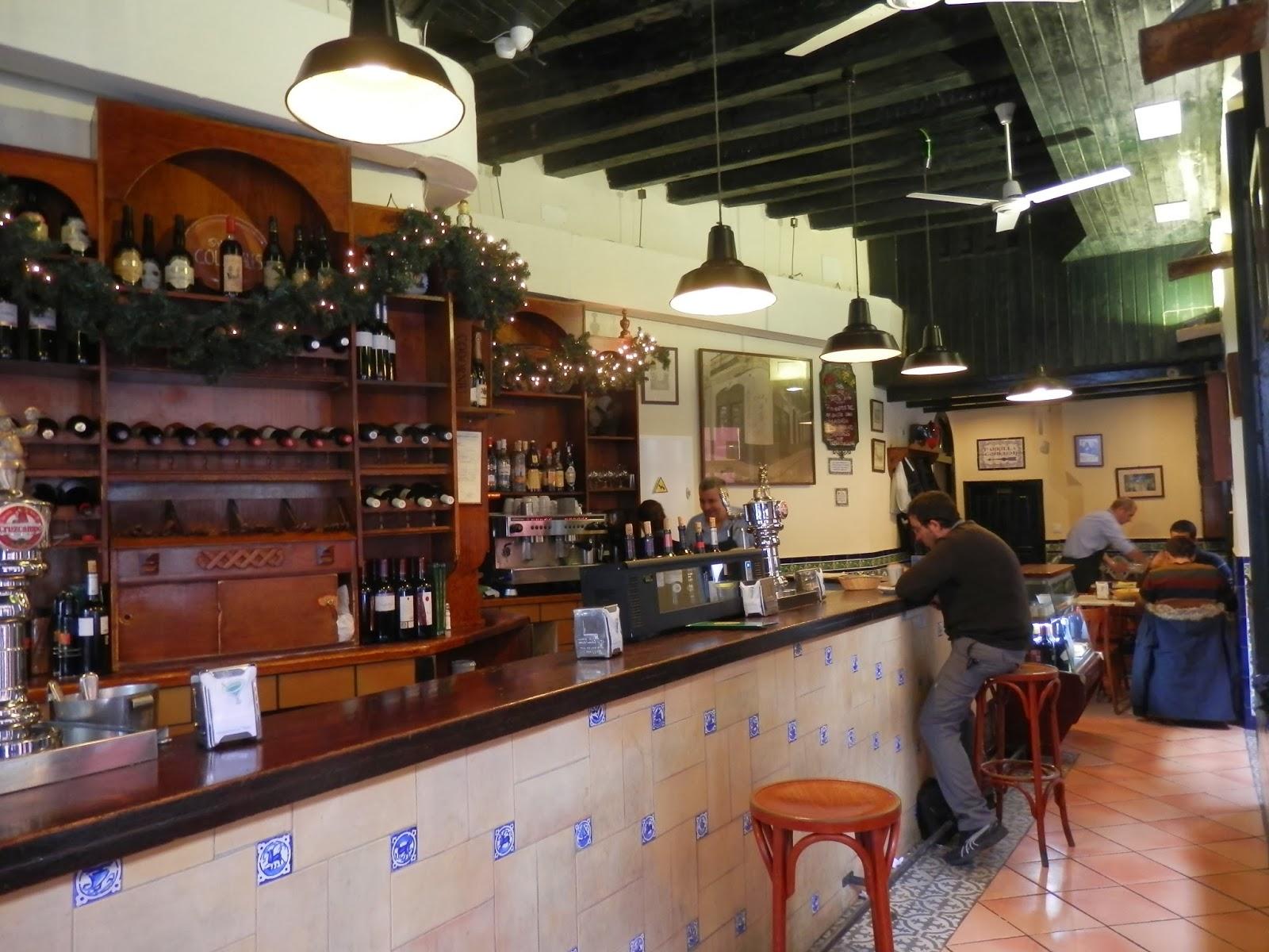 Las aventuras del capit n triglic rido taberna los - Bar coloniales sevilla ...