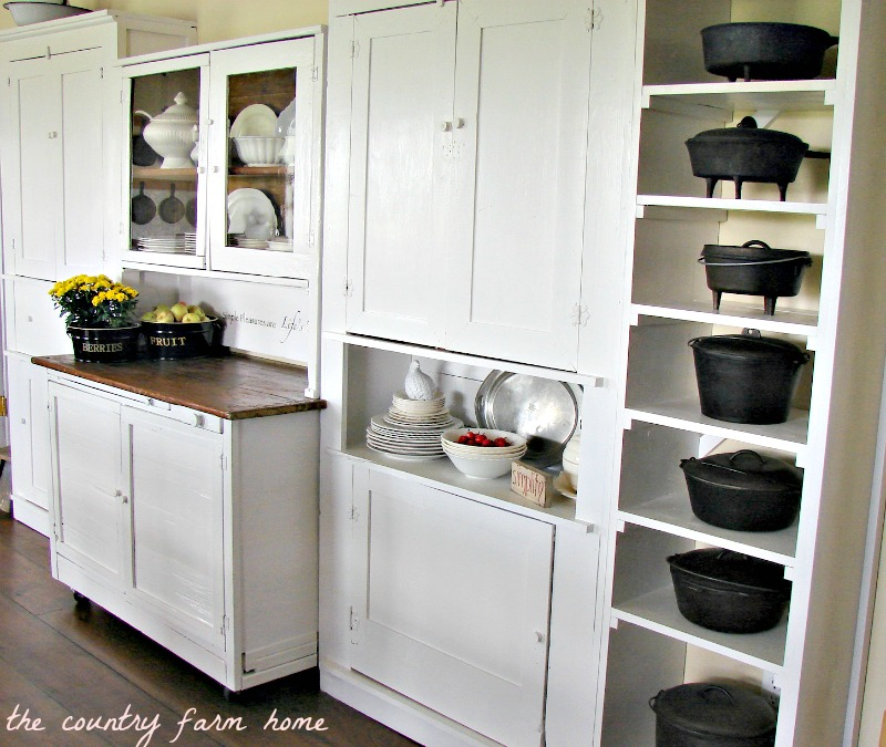 Simple Kitchen Cabinets: The Country Farm Home: Simple Pleasures & White Farmhouse Cabinets