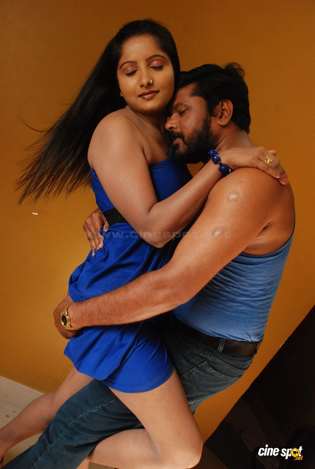 ... Pics - Photos with Poetry: Tamil Mallu Aunty Hot Romance with Servant