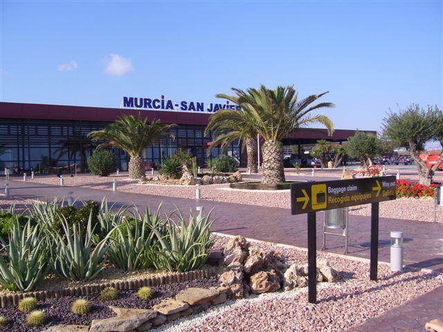 Murcia confidencial iu verdes deduce que el aeropuerto for Muebles casi gratis san javier