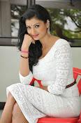 Ishitha Vyas sizzling pics-thumbnail-7