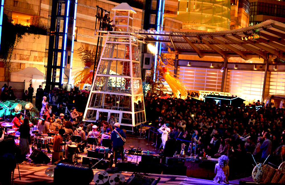 ライトアップフューチャー丸のパフォーマンス会場の写真