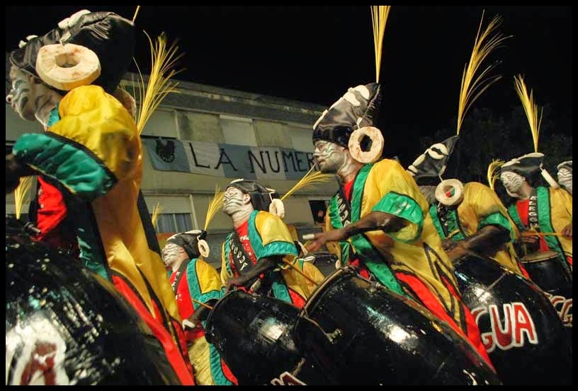 Desfile de Llamadas.Eleguá.. Montevideo. 2011.