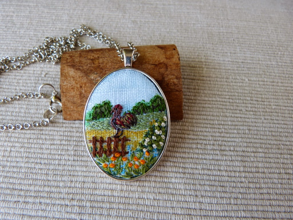 biżuteria, handmade jewerly, embroidered jewerly, naszyjnik z haftem, embroidered pendant, embroidered necklace