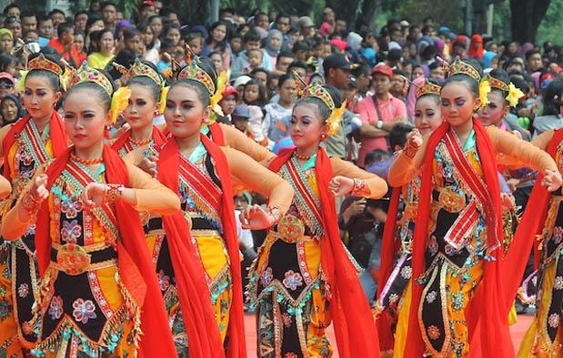 10. Tari Banjar Kemuning, Jawa Timur
