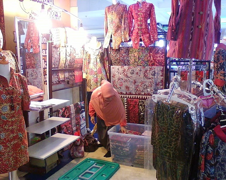 Foto Model Baju Kebaya Di Thamrin City