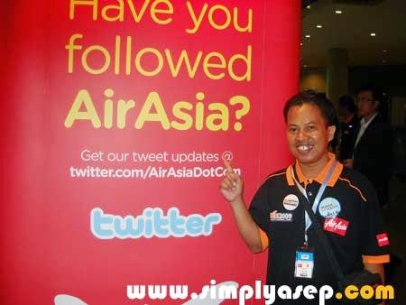 Dengan Banner Air Asia