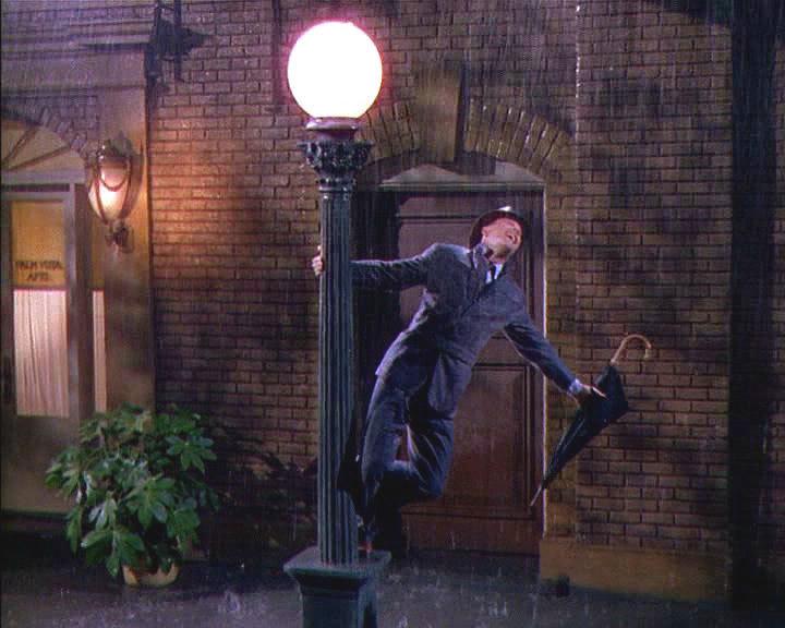 [Image: Singing-in-the-Rain-GeneKelly-large.jpg]