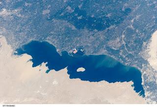 [Image: STS111-E-5463.JPG]