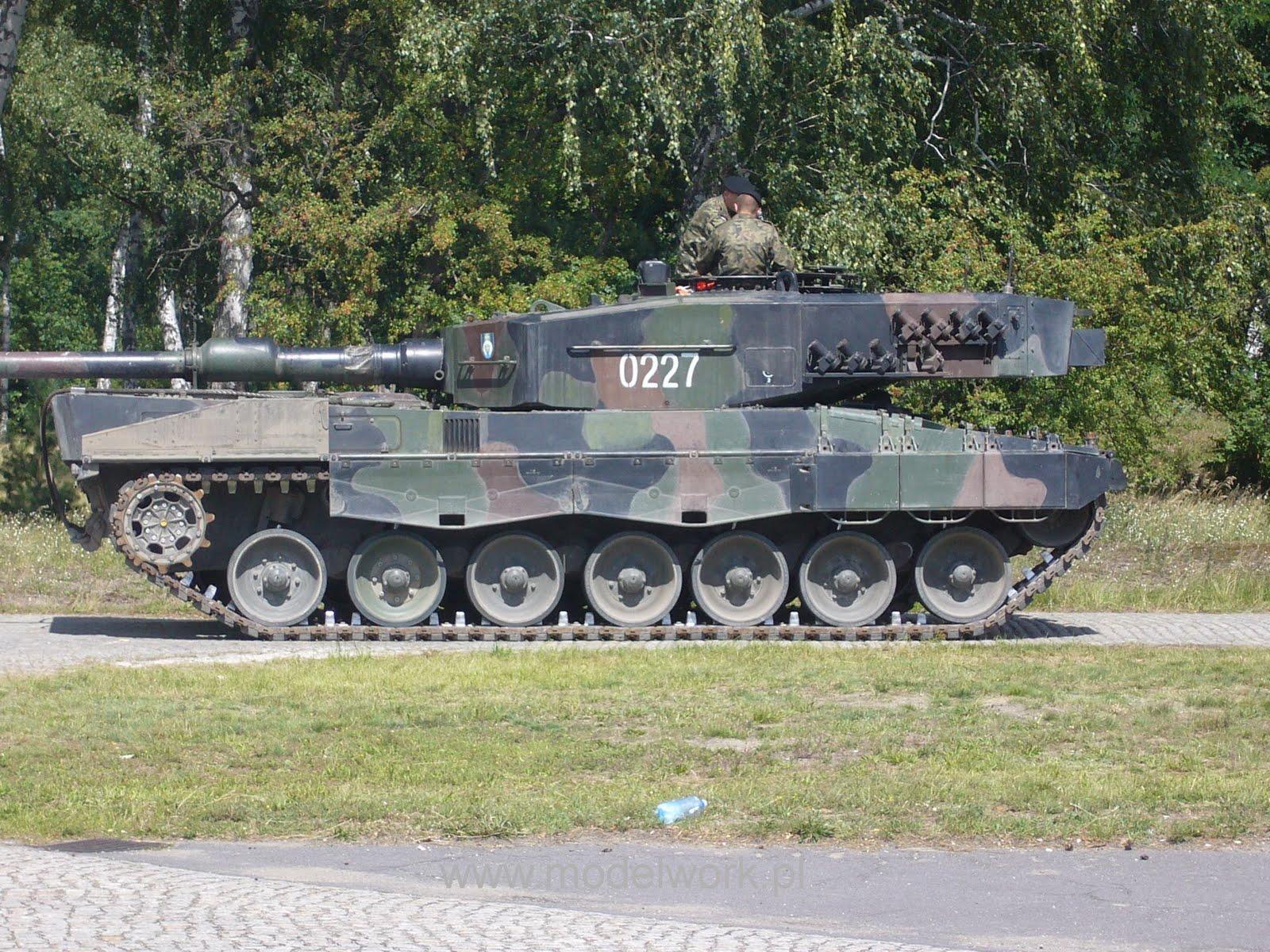 Les Forces Armées Polonaises/Polish Armed Forces - Page 2 Leopard+2+A4+%25284%2529