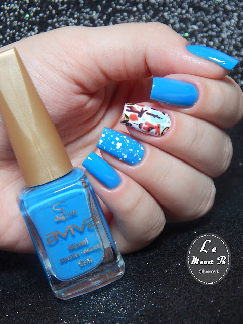 decoração de unha azul