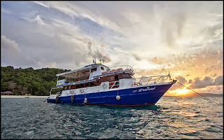Phuket sunset cruise and dinner