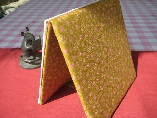 California stitcher wild garden mom 39 s results for Garden party fabric by blackbird designs