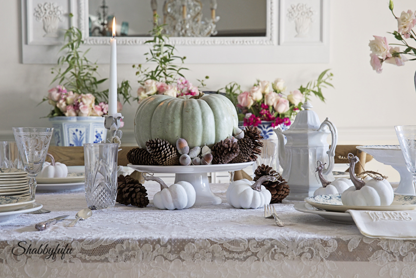 how to style a table for thanksgiving & Styling A Romantic And Elegant Thanksgiving Table - shabbyfufu.com
