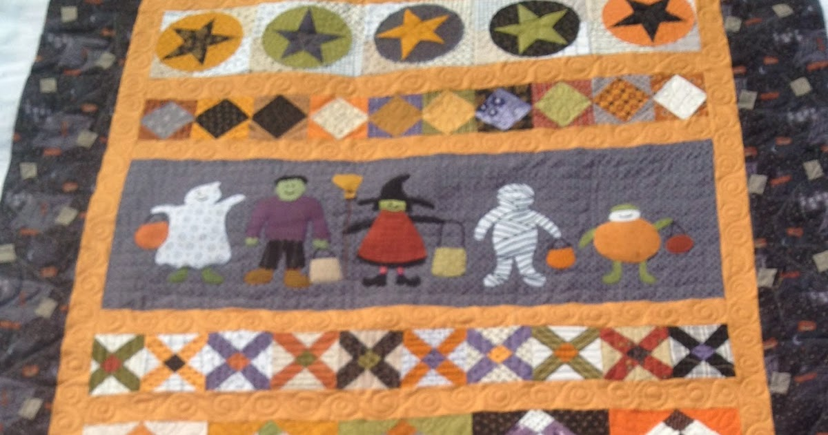 Lovely Rita: Halloween Quilt: Saturday Sampler: Machine