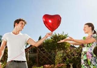 الفالنتاين ليس للمرتبطين فقط...ولكنه للعُزّاب ايضا  - رجل امرأة قلب رومانسية حب - man woman heart flying romance love