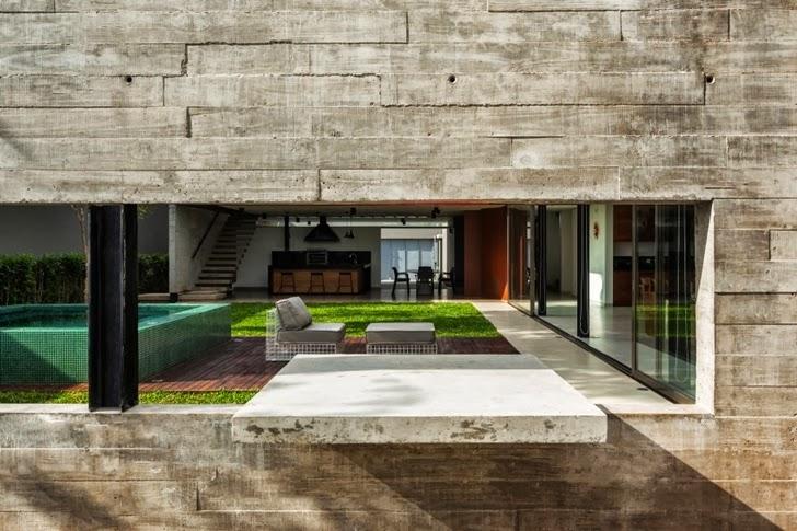 Exposed concrete facade on Modern Planalto House by Flavio Castro