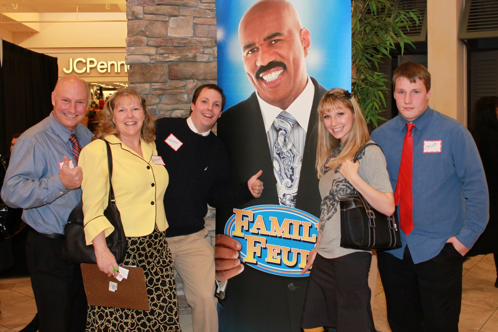 Is family feud filmed in georgia - This Is What It Looked Like The Family On The Left Is In My Mom S Ward And I Wouldn T Be Surprised If They Get On The Show The Casting Director Talked To