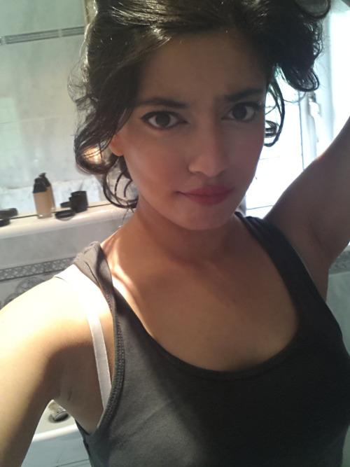 selfi çeken azgın kızlar  Resimler Resim Sitesi Güzel