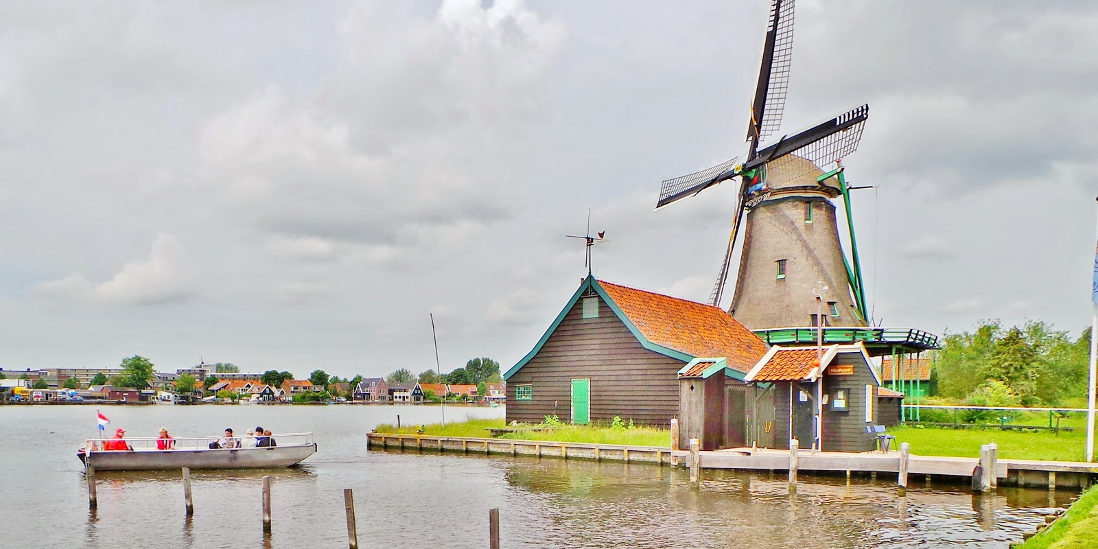 De Zoeker and De Bonte Hen oil mills