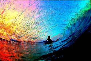 ola y arcoiris
