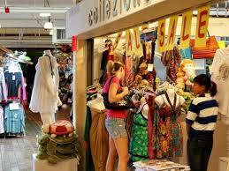 Chia sẻ kinh nghiệm mua sắm khi đi tour Malaysia cho mọi người