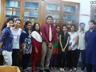 ad, ameedarji, Positivity, Peace, Happiness, PositiveChange, TaleofGrit, College Group, Teacher, Students, Youth, Volunteer, Library, Books, Success