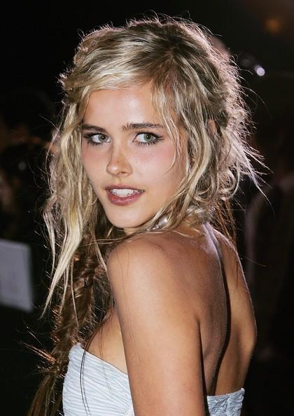 Isabel Lucas Hot