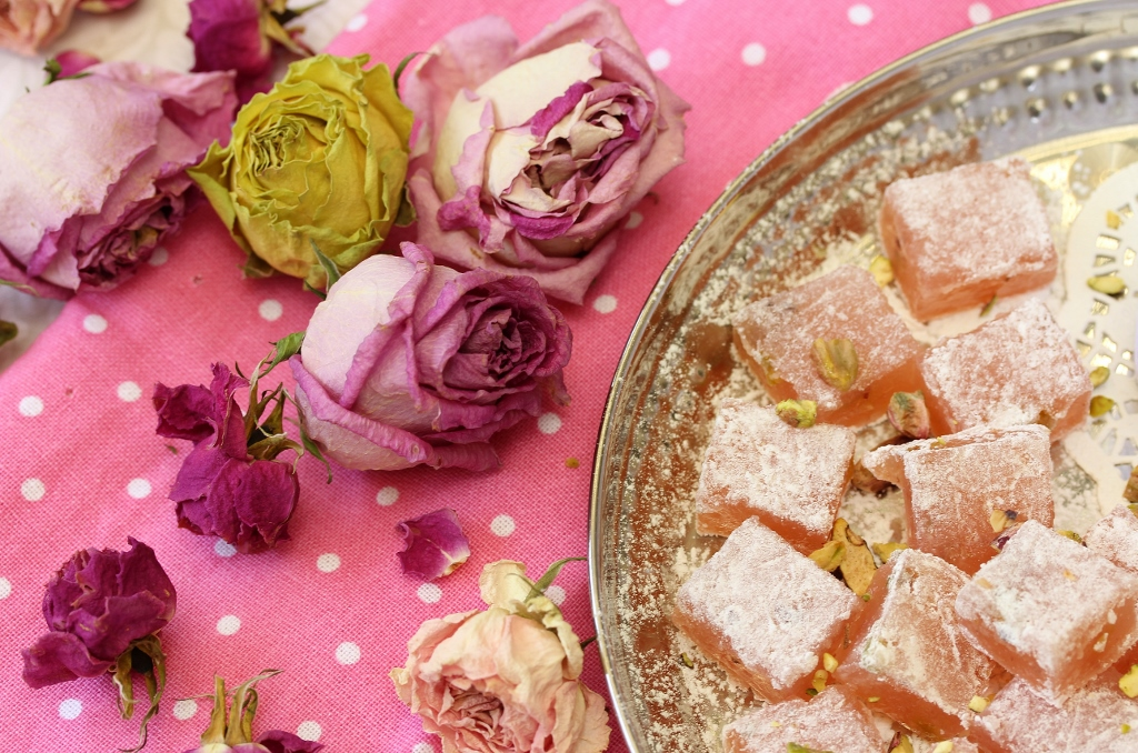 Rose pistachio turkish delight beela bakes for Divan rose turkish delight