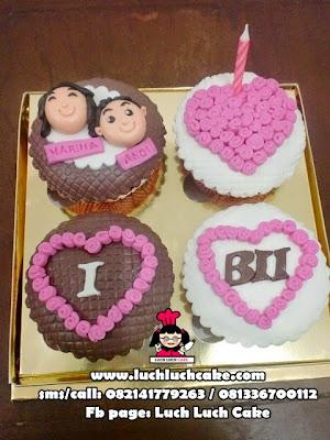 Cupcake Anniversary 2D Fondant Daerah Surabaya - Sidoarjo